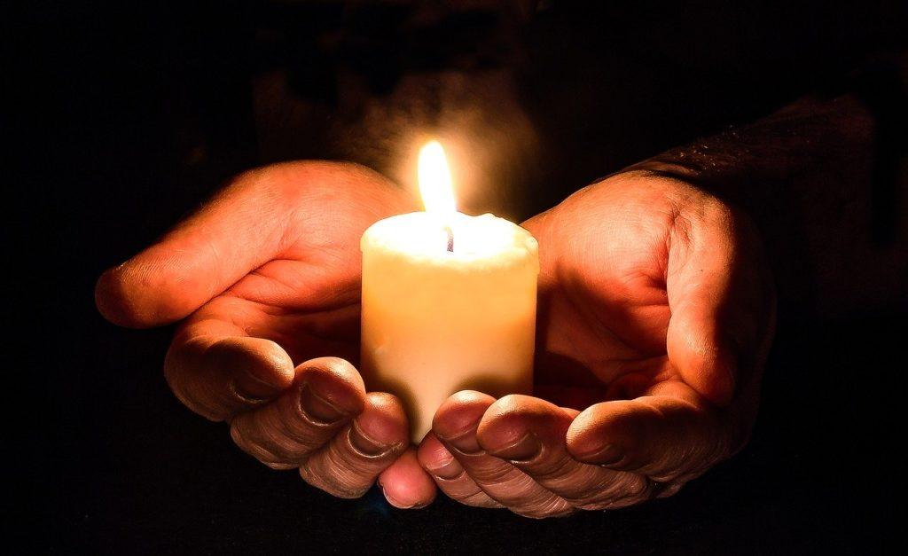 """นตฺถิ ปญฺญาสมา อาภา """"แสงสว่างเสมอด้วยปัญญา ไม่มี"""""""